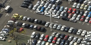 picture of bank repo car auction in atl ga